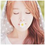 Аватар Корейская Ulzzang модель Kim Shin Yeong / Ким Шин Ён с цветком ромашки во рту