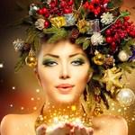 Аватар Девушка с венком из елочных веток и новогодних игрушек