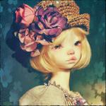 Аватар Девушка - кукла в шляпе