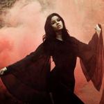 Аватар Девушка в розовом дыму. Felice Fawn
